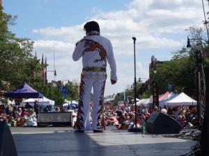 In Collinwood trafen sich Elveys Presley fans zu einem Festival.
