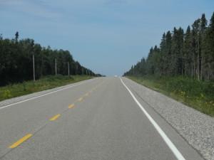 Wir fahren auf endlosen Strassen durch Ontario.