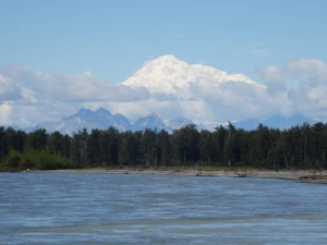 Talkeetna ist der aAusgangspunkt für alle Mc Kinley Besteigungen. Von hier aus werden die Expeditionsteilnehmer ins Basislager auf dem Gletscher in 2134 Meter Höhe geflogen.