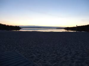 Die Sonne ist auch um 23 Uhr noch nicht wirklich untergegangen.