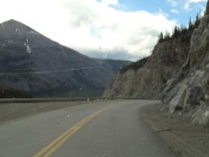 Wir fuhren auf dem Alaska Highway.