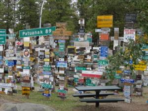 In Watson Lake gibt es dafür einen Schilderwald.