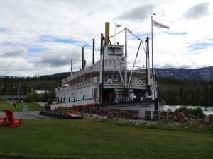 Auf der Klondike wurden Personen und Güter von Whiehorse nach Dawson transportiert.