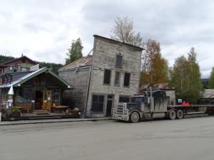 Der Goldrausch in Dawson währte nicht lange, die Stadt drohte eine Geisterstadt zu werden.