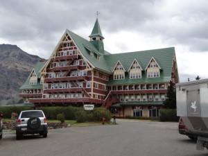 Altes Hotel im Waterton Park mit grandioser Aussicht auf den See.