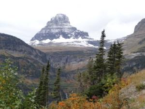 Die Berge ware frisch verschneit.