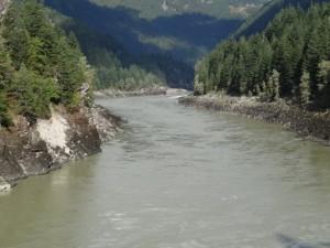 Wir fuhren dem Fraser River entlang.