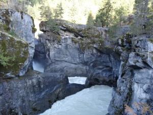 Da es stark regnete, war es ein tosender Wasserfall.