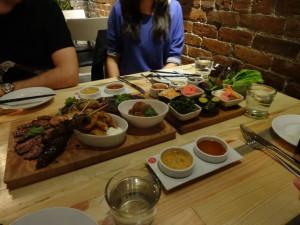 In Vancouver leben Menschen aus vielen Ländern. Jede Nationalität hat ihre eigenen Restaurants. So kann man zum Beispiel Japanisch oder......