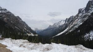 Auf dem Pass lag noch viel Schnee.