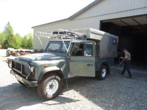 Am 20. April holten wir unseren Land Rover ab.