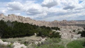 Die Wand: Wenn die Indianer oder dann auch die ersten Siedler nach dem Durchqueren der endlosen Peärie an den Fuss der Bergkette gelangten,erschien diese ihnen als unüberwindliches Hindernis.