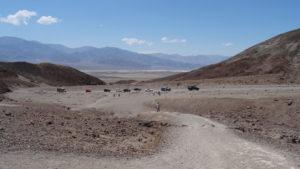Wir hatten einen gewissen Respekt vor der Fahrt durch das Death Valley, aber es war überhaupt nicht schlimm:Es war nicht sehr heiss, und wir waren nicht die einzigen Touristen.