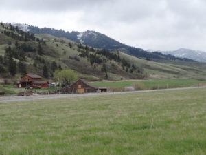Farm in Montana: Der Übergang von fruchtbarem Land..........