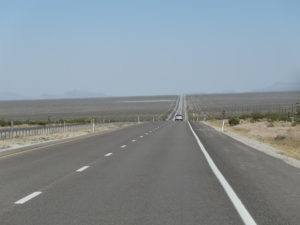 Strasse ins Death Valley