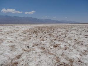 Badwater Basin liegt 86 m unter dem Meeresspiegel und ist der tiefste Punkt des Kontinents.