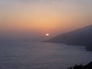 Wir genossen den herrlichen Sonnenuntergang.