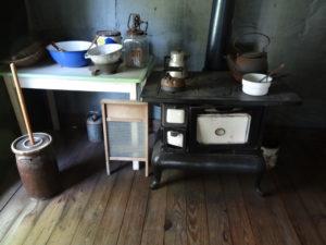 Blick in die Küche eines Arbeiterhauses.