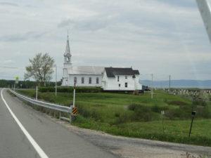 In jedem Dorf hat es eine Kirche.