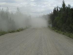 Wenn wir einem anderen Fahrzeug begegneten, verschwand alles in einer Staubwolke.