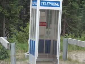 Ungefähr alle 50 km gab es eine Telefonkabine für Notfälle