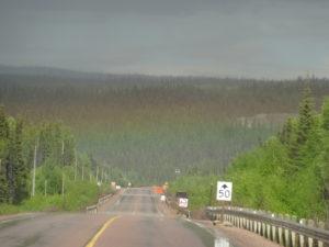 An diesem Tag regnete es oft, und die Mücken waren eune Riesenplage, kaum öffnete man die Autotüre, wurde man umschwärmt.
